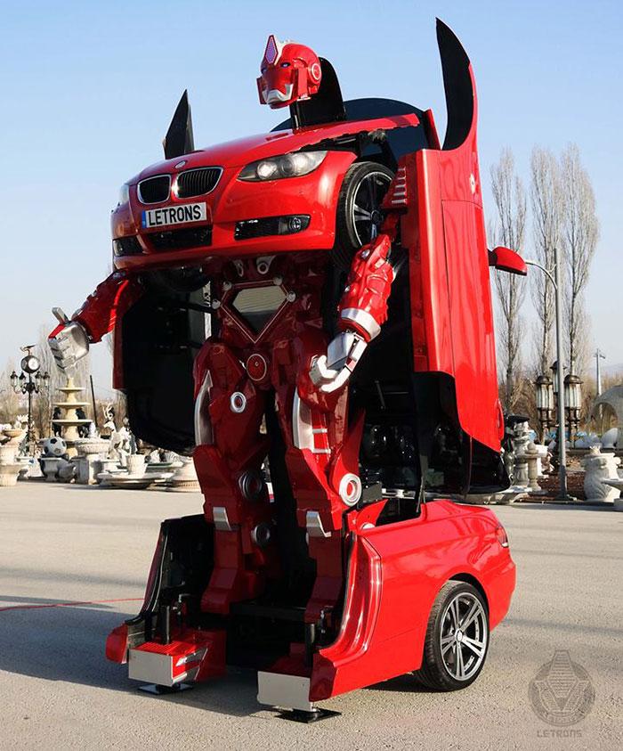 Türk mühendisler Letrons BMW Transformer Robot